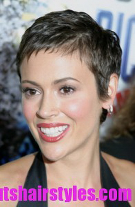 Best Short Hairstyles For Oval Faces