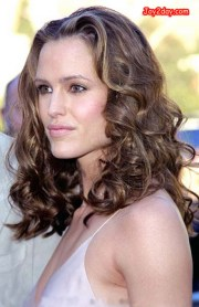 classic curly hairstyles