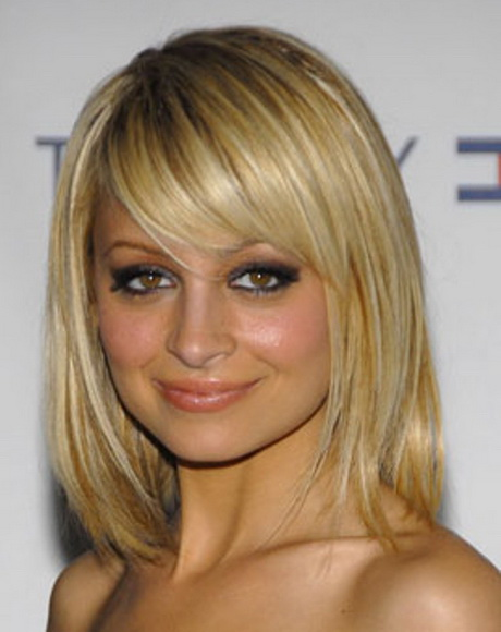 30 Easy Cute Medium Length Hairstyles Side Bangs Hairstyles Ideas