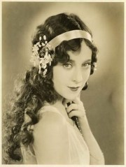 hairstyles women in 20s