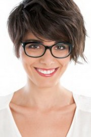 hairstyles women with glasses