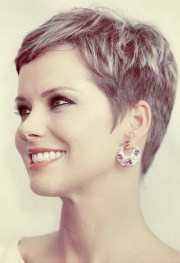 medium length pixie haircut