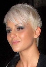 pixie haircut thin hair