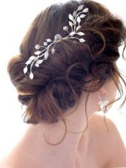 bridal hairstyles with accessories