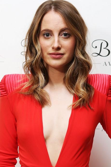 Trendy shoulder length haircuts 2017