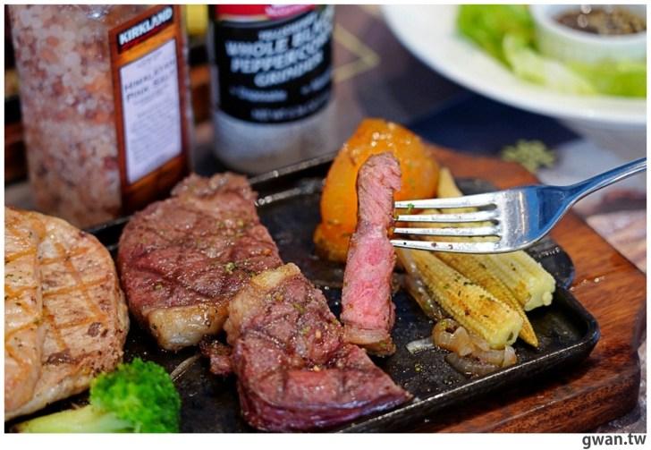 20201110144727 19 - 熱血採訪|台中霸氣牛排館,排餐最低290元起,滿滿牛肉塊羅宋湯免費喝到飽!