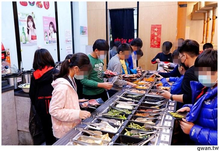 20201215213514 24 - 熱血採訪|台中韓式烤肉吃到飽!烤肉、熱湯、小菜任你吃最低只要369元,周年慶期間還免收服務費~