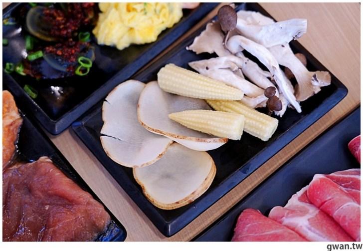 20201215213558 75 - 熱血採訪|台中韓式烤肉吃到飽!烤肉、熱湯、小菜任你吃最低只要369元,周年慶期間還免收服務費~