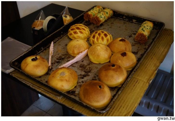 20210501194538 54 - 巷子裡的低調麵包店,隱藏版巨無霸泡芙你吃過嗎?