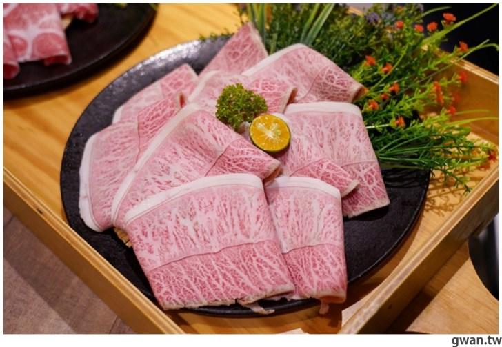 20211001234049 39 - 熱血採訪|人少也能吃!滿滿龍蝦吃到爽,新鮮蝦肉一拉整塊就起來