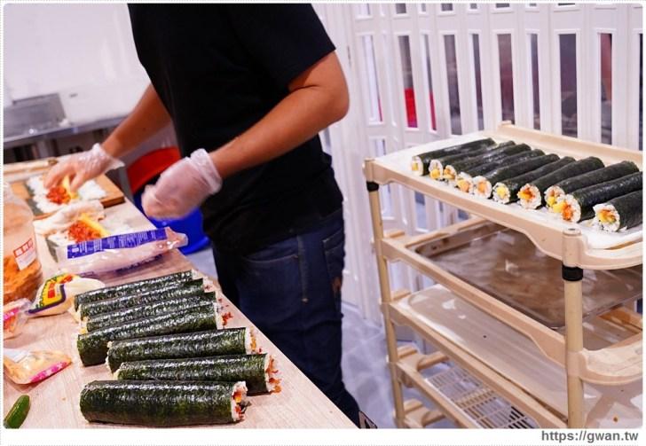d4becd241ac1a86163bbd68830e99465 - 熱血採訪 台中最大海鮮超市!泰國蝦超便宜,烤肉串燒通通買的到!