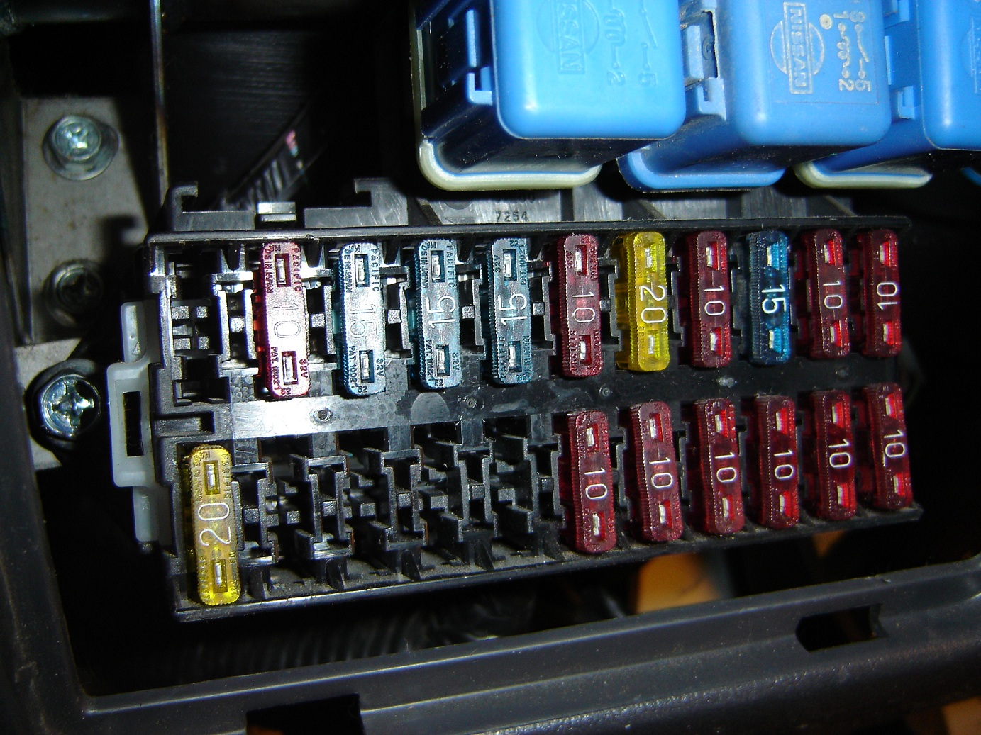 hight resolution of 1987 d21 fuse box wiring diagram view audi a4 b5 fuse box diagram nissan d21 fuse