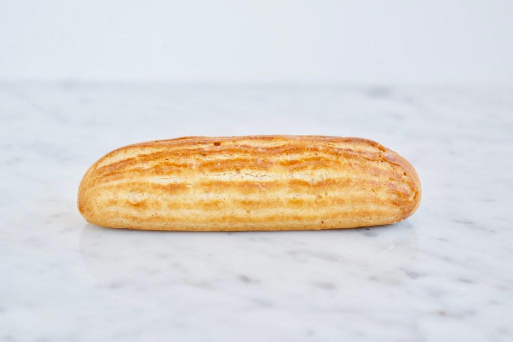 Eclair - Gwenn's Bakery