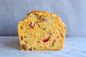 Hartige cake met olijven - lekkerste borrelhapjes - Gwenn's Bakery