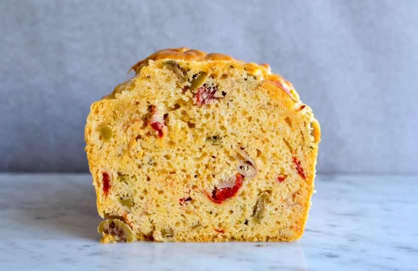 Hartige cake met olijven - Gwenn's Bakery