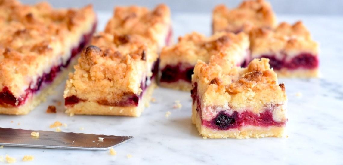 Vegan bosvruchtenplaatkoek - Gwenn's Bakery