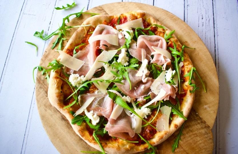 Pizza met rucola en parmaham - Gwenn's Bakery