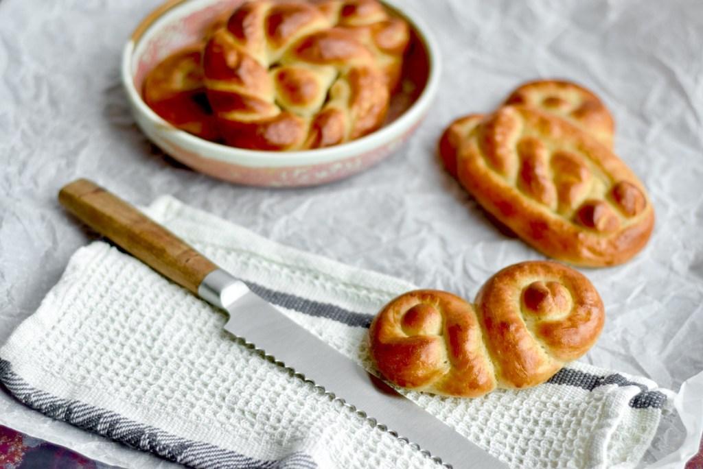 Luxe gevlochten broodjes - Gwenn's Bakery