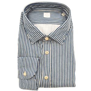 Stripe Spread Collar Shirt in Blue