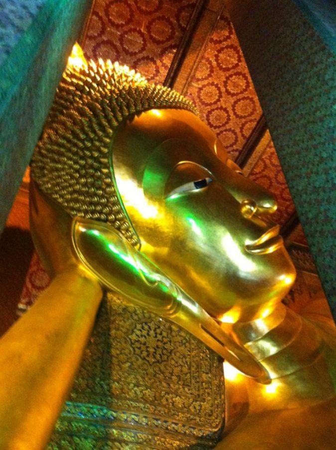 the head of the lying buddha