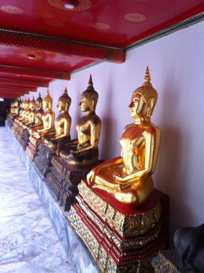 inne i Wat Pho