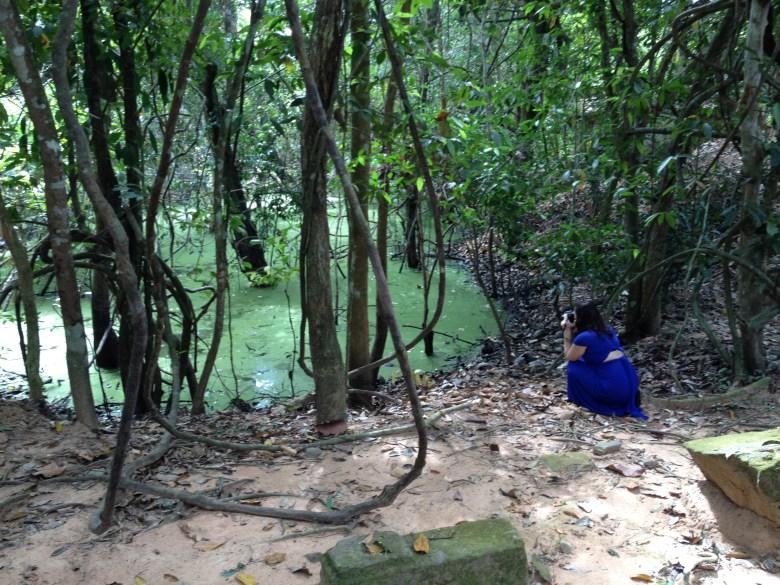 photografer at green water
