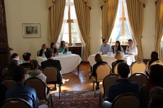18_Debata na velvyslanectví
