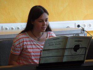 Junge Musiker unserer Schule bieten einen festlichen Rahmen