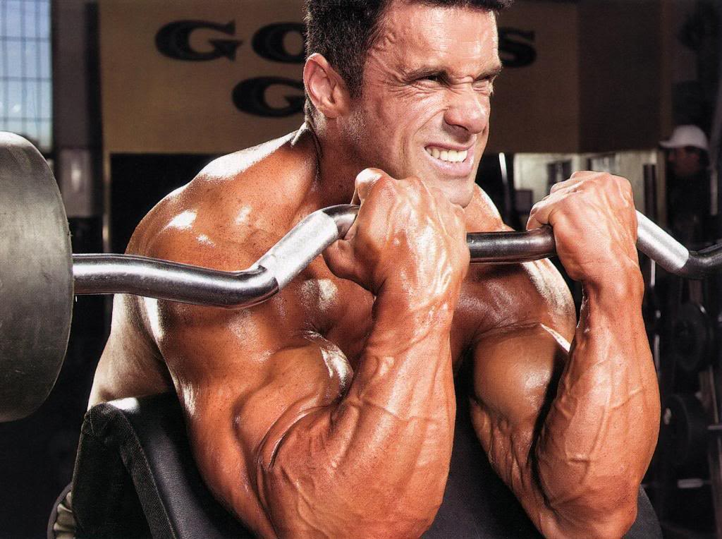 8 Tips To Build Bigger Biceps And Triceps