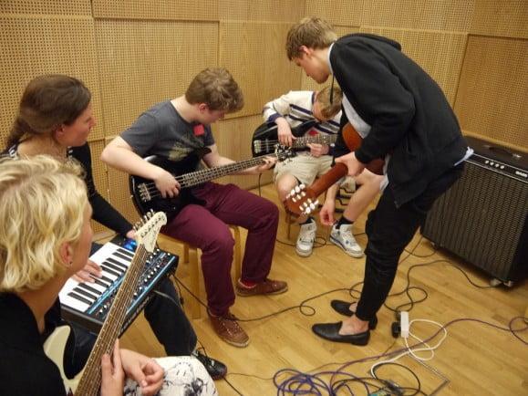 Hvorfor er musik et vigtigt fag i gymnasiet?