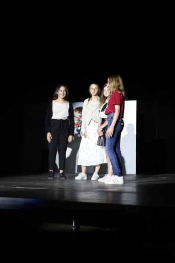 15 wie sich das Zwischentheater die Lehrer vorstellt oder Herr Volkmann als Biene