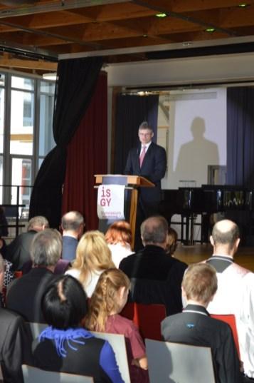 StD Martini eröffnet die Veranstaltung und begrüßt alle Ehrengäste