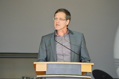 Der Vorsitzende des Personalrats, Herr Köppl, bei seinem Grußwort