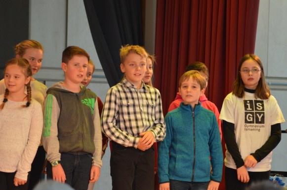 ... rekrutierte Frau Geyer einen hervorragenden Chor