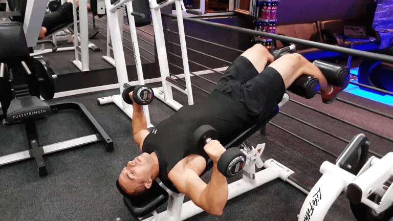 Read more about the article Decline Dumbbell Bench Press