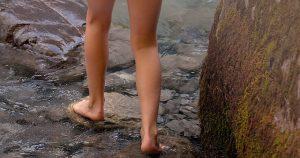 láb folyóban-1040694_640