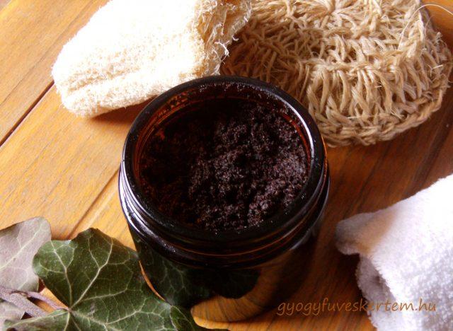 narancsbőr elleni kávés bőrradír, gyógyfüves kertem