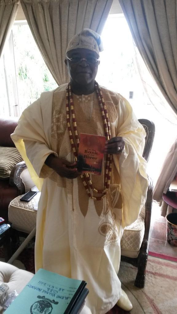 Oba Gbadebo, Alake of Egbaland Endorse Ifeoluwapo Adeniyi Novel Book '' On the Bank of the River ''