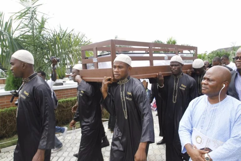 Moji Olaiya was buried Lagos 00