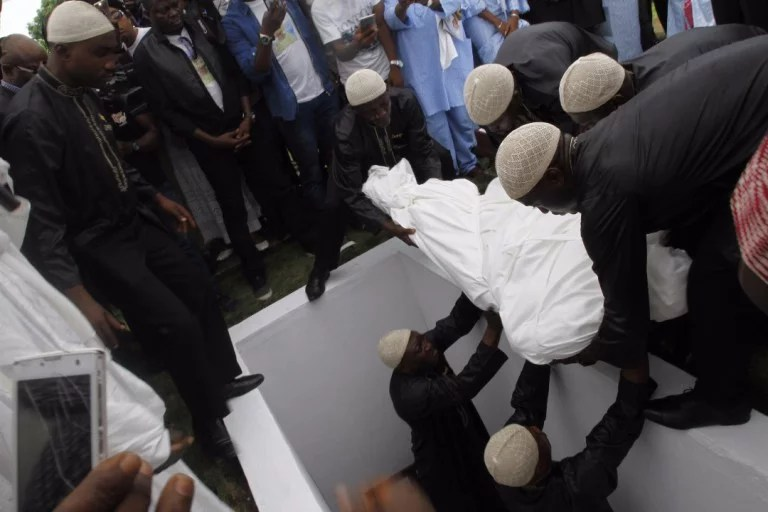 Moji Olaiya was buried Lagos 03
