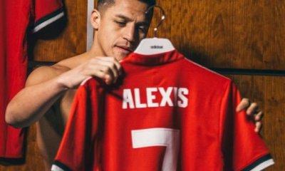 Alexis Sanchez Signs for Man United