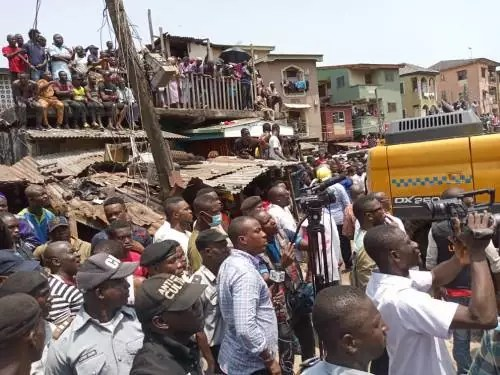 Many Feared Dead As 3-Storey Building Collapsed At Lagos Island