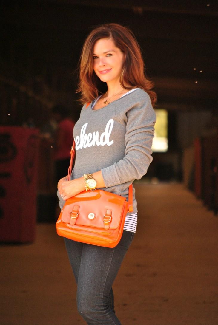 sweatshirt-jeans-orange-purse