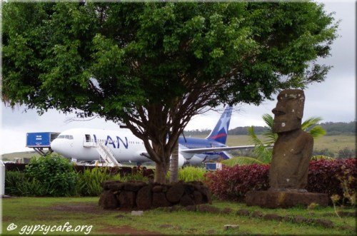 LAN flight ready for departure - Easter Island - Mata Veri Airport - Isla de Pascua