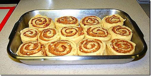 Cinnamon rolls raw