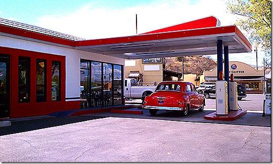 Bings Burger Station outside