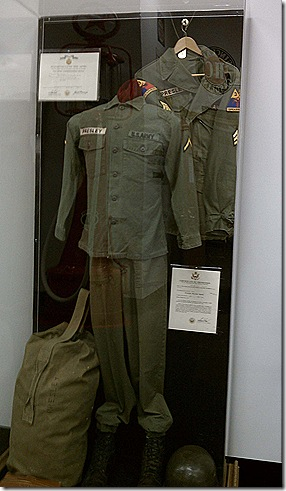 Elvis uniform