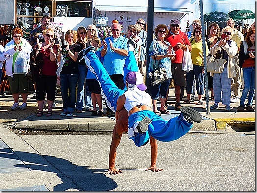 Double hand stand