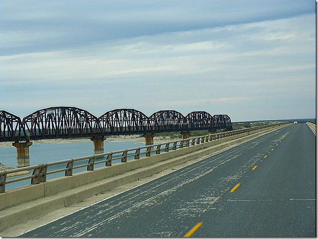 Lake Amistad bridges