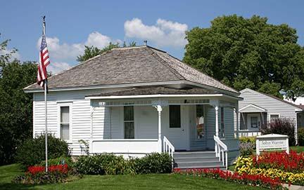 john wayne house outside 3